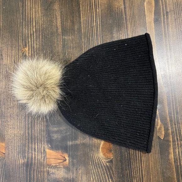 Aritzia black Main Character hat